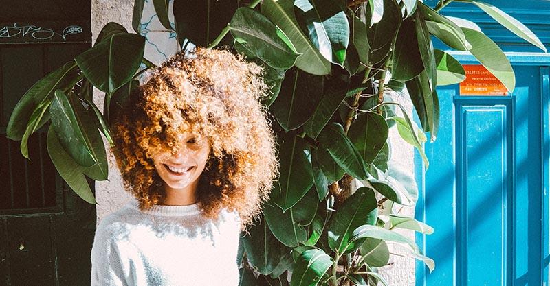Guía definitiva del Curly Girl Method en español