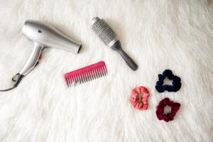 Cómo secar el pelo rizado